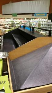 Empty fruit aisle 24 hours before Hurricane Matthew (photo by Teresa TL Bruce, TealAshes.com)